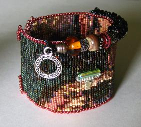 When worn, this cuff exudes 'Artsy'!
